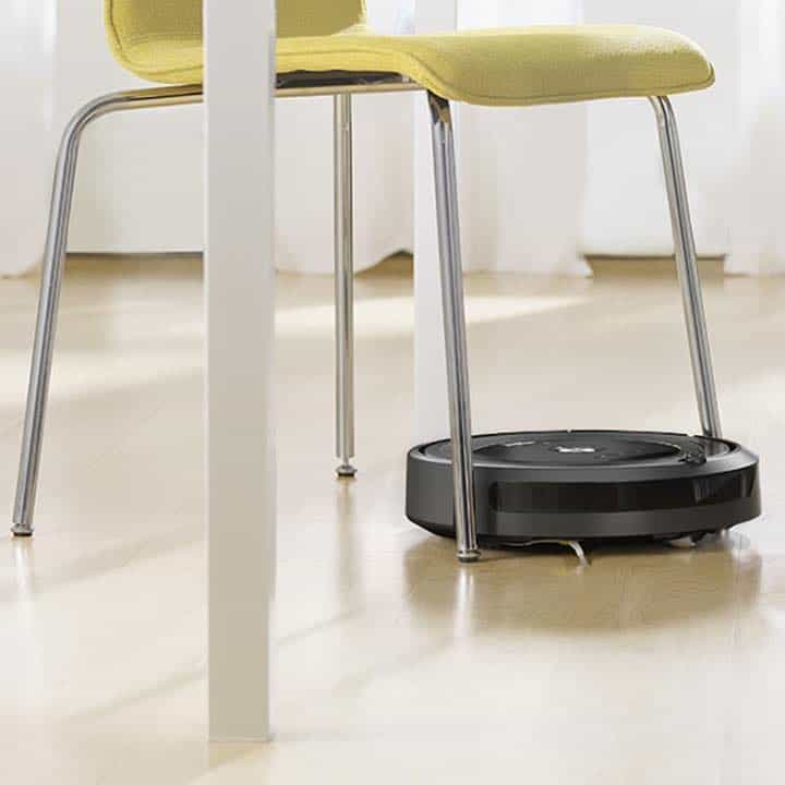 iRobot Roomba 675 Compact Size allows for it to fit in many places