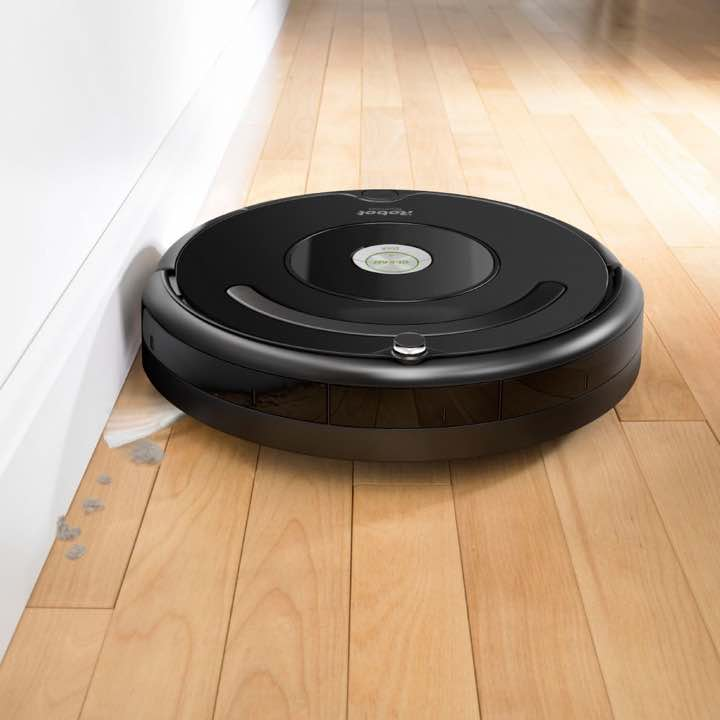 iRobot Roomba 675 edge sweeping brushes is able to sweep the edges and corners with ease