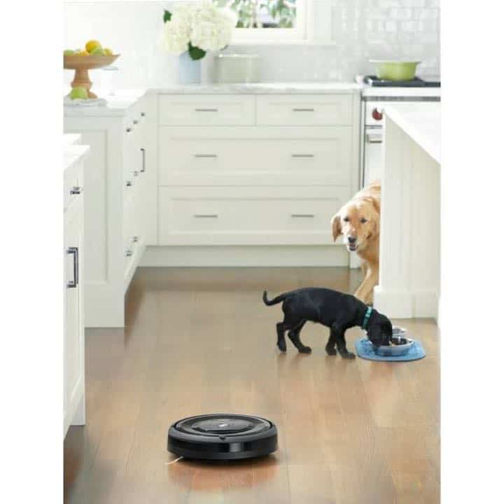 iRobot Roomba e5 is great for homes with pets, cats, and dogs.